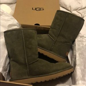UGG eucalyptus spray short boots LIKE NEW
